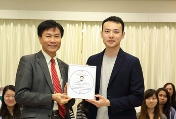 Young CEO Mr Fok Kai-man shares his vision with Lingnan students