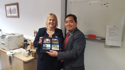 Prof Mok visit foreign university