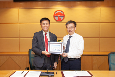 Partnership agreement between Lingnan University and Sun Yat-Sun University