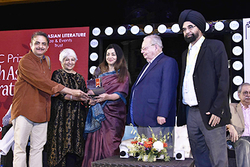 Professor Tejaswini Niranjana wins DSC prize for South Asian Literature